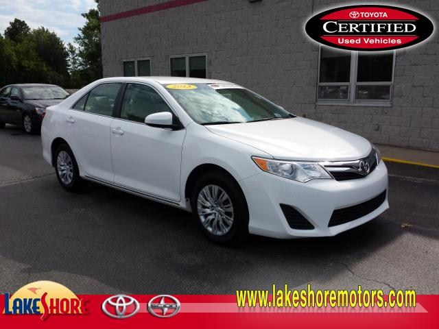 2013 Toyota Camry LE:TP683