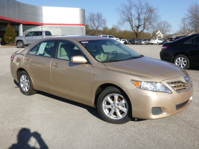 2011 Toyota Camry LE:T13364