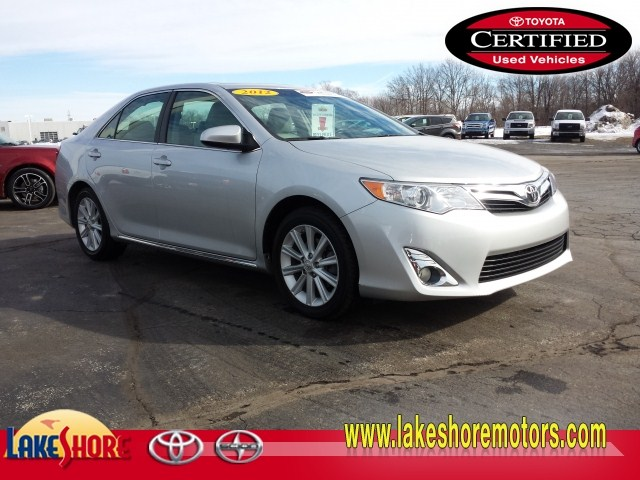 2012 Toyota Camry XLE:T5817B