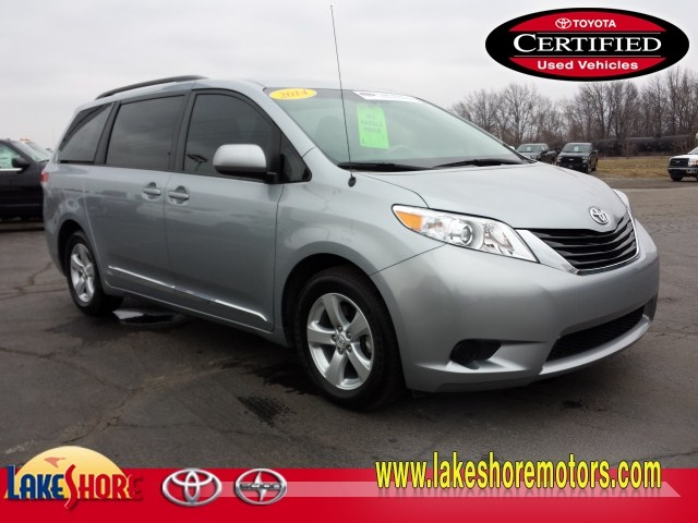 2014 Toyota Sienna LE:T5654A